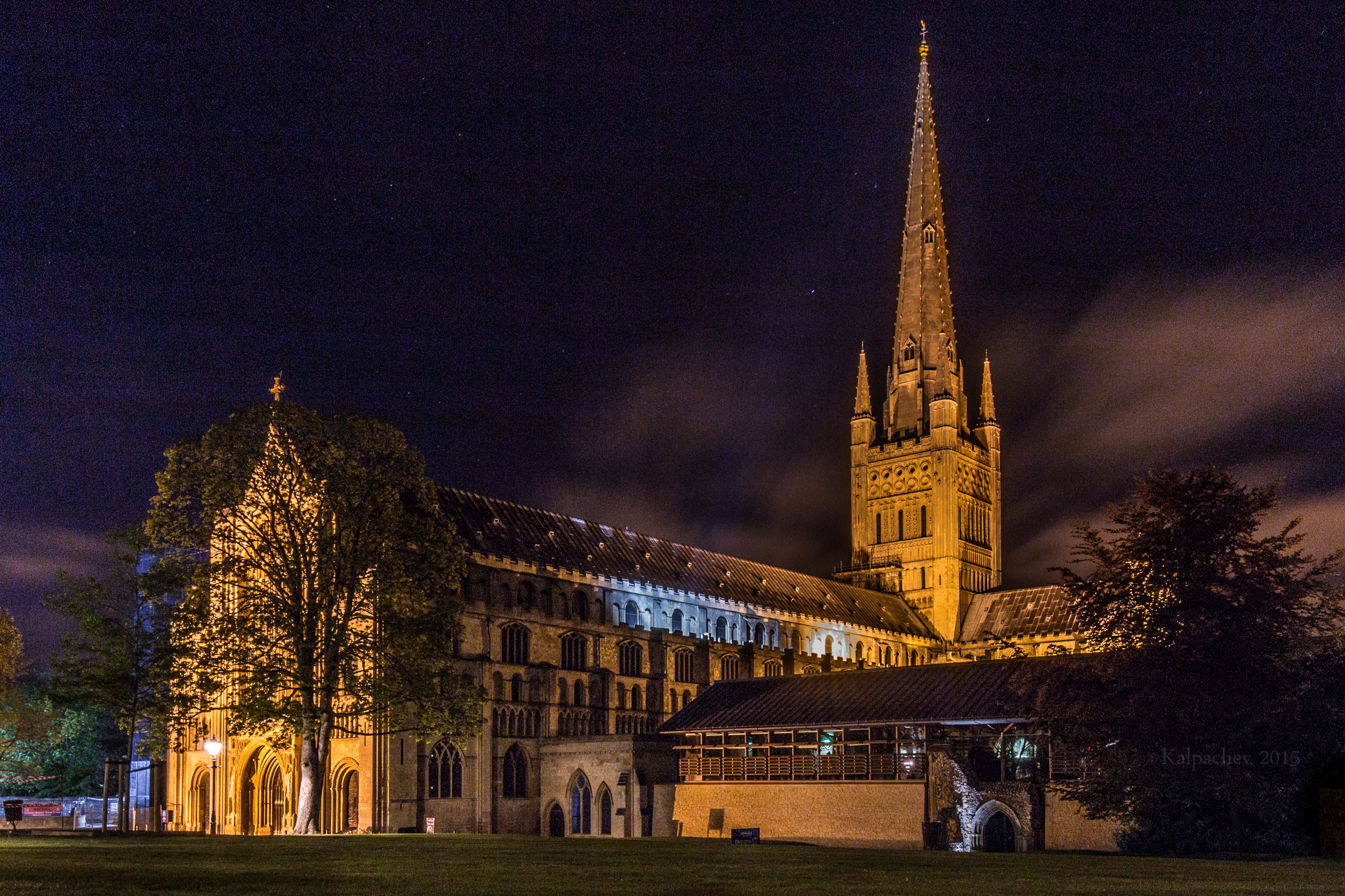 norwich cathedral Events life at norwich cathedral is bubbling with activity, with a variety of events happening every day we've built this event calendar to.