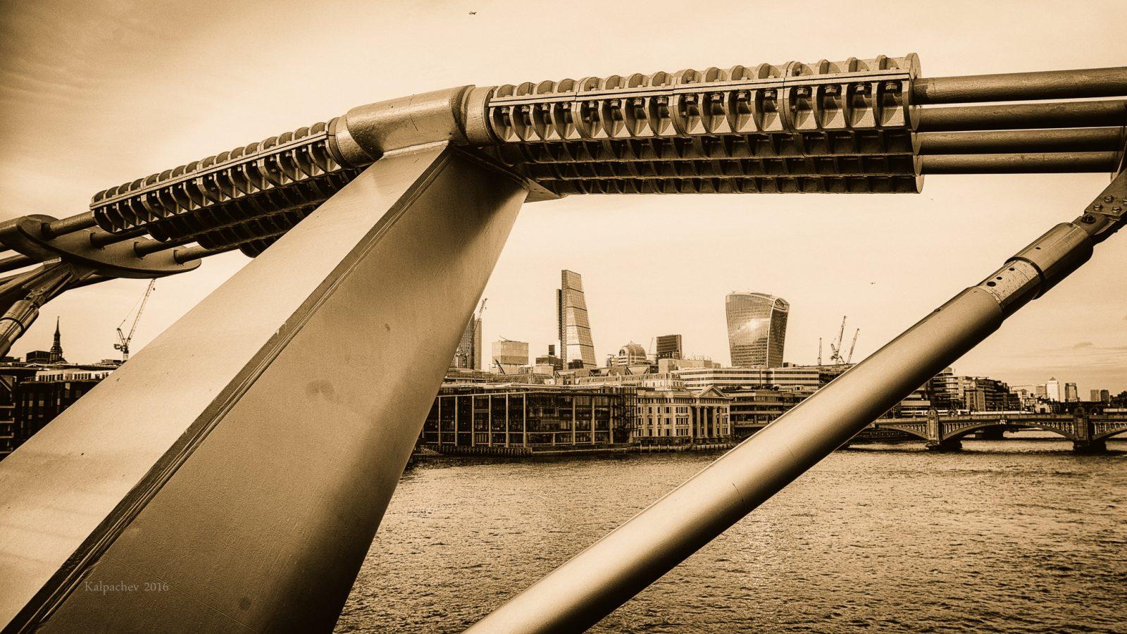 -- City of London--