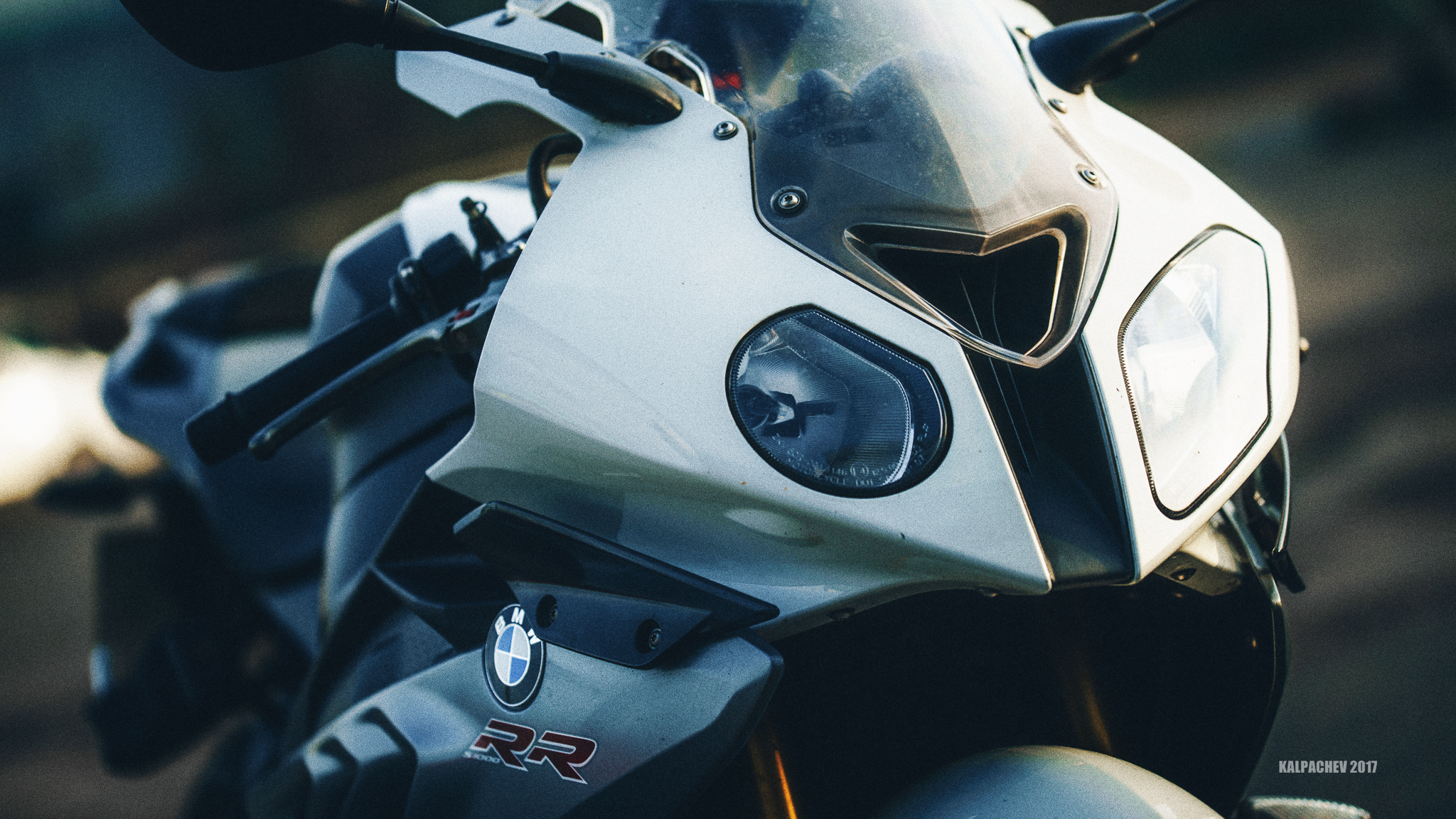 – BMW S1000RR – with Laowa 105 STF F/2 lens
