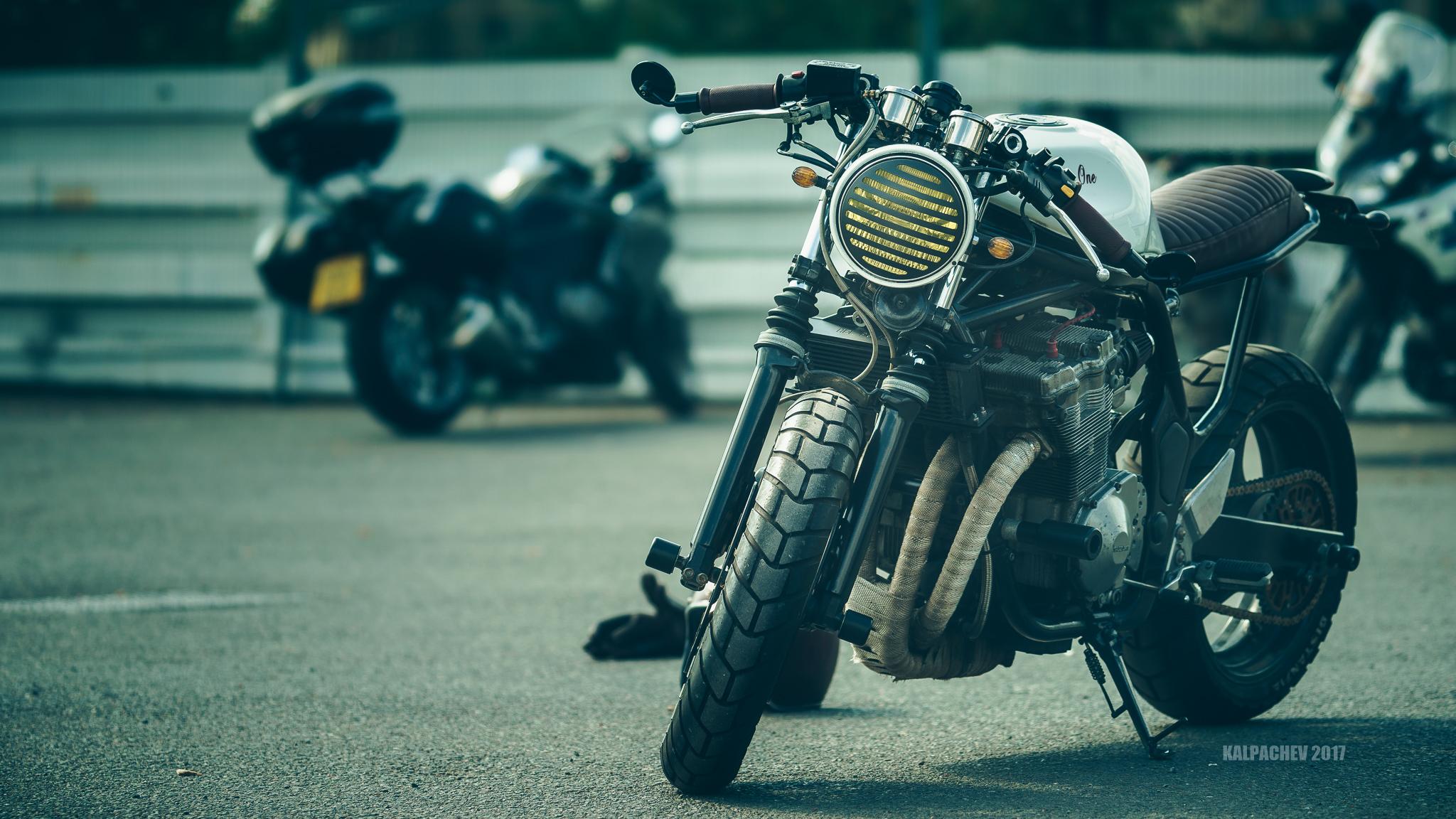 Custom & Cruiser Bike Day at Ace Cafe London
